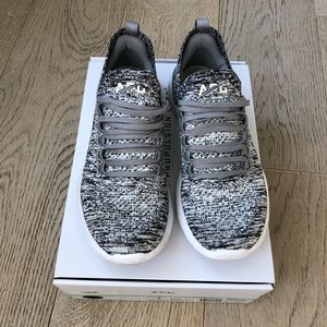 APL Techloom Breeze grey sneakers size 7 with box